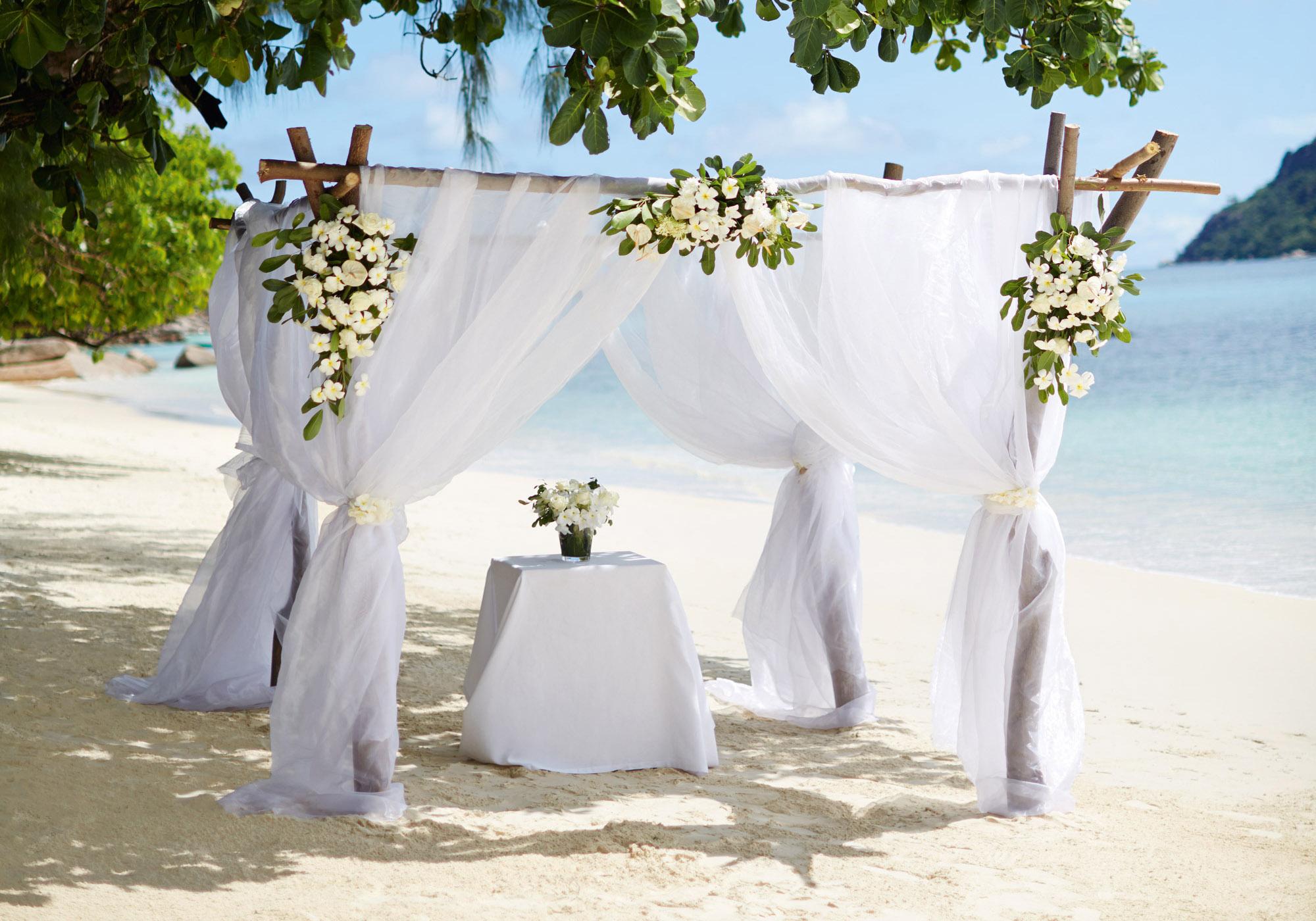 61257492-H1-Wedding_Setup_CMYK